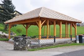 Walmdach-Carports / traditionelle Carports