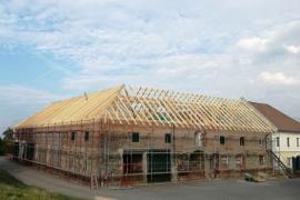 Dachstuhl und Überdachung eines Vierkanters in Weistrach